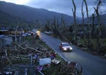 El huracán María causó graves daños a su paso por Puerto Rico, en 2017. Foto: Gerald Herbert / AP.