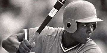 """Omar """"El Niño"""" Linares, para muchos el mejor pelotero cubano de las últimas cinco décadas. Foto: Archivo."""