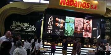 El XX Festival del Habano en el Palacio de las Convenciones de La Habana. Foto: Alejandro Ernesto / EFE.