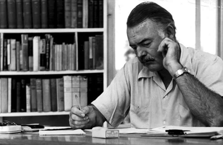 ¿Puede uno imaginarse seriamente el efecto de las actuales regulaciones, de haber estado en vigor en La Habana en 1939 o en Cojímar en 1951? El escritor Ernest Hemingway, Premio Nobel de Literatura, escribió gran parte de su obra en Cuba, o inspirado en Cuba.