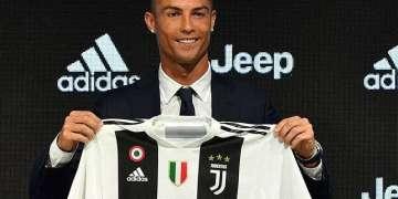 El fichaje de Cristiano Ronaldo por la Juventus fue para muchos aficionados cubanos una noticia más atractiva que cualquiera relacionada con el béisbol de la Isla. Foto: sporthiva.com