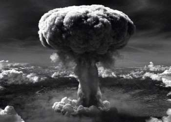 La bomba atómica lanzada por EEUU sobre Hiroshima y Nagasaki mató a unas 210 000 personas y dejó daños de salud en varias generaciones.