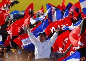 El presidente nicaragüense Daniel Ortega llega a la plaza Juan Pablo II para celebrar el 39 aniversario de la revolución sandinista en Managua, Nicaragua, el jueves 19 de julio de 2018. Foto: Alfredo Zuniga / AP.