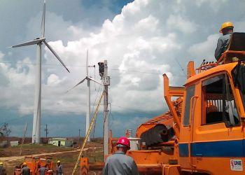 Construcción de un parque eólico en Cuba. Foto: energiaestrategica.com