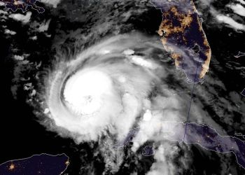 El huracán Michael se aleja de Cuba este 9 de octubre y pone rumbo a Florida. Imagen de satélite: @NHC_Atlantic / Twitter.