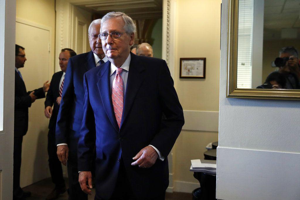 El líder de la mayoría en el Senado, Mitch McConnell durante una conferencia de prensa en el Capitolio, en Washington. Foto: Jacquelyn Martin/AP.