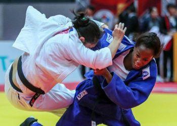 La cubana Maylín del Toro (der) en su triunfo ante la ecuatoriana Gabriela Sabau en el Grand Slam de Osaka, Japón. Foto: ijf.org