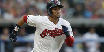 Leonys Martin regresará con los Indios de Cleveland en el 2019 tras una peligrosa infección que terminó temprano con su temporada en el 2018. (AP Foto/Tony Dejak, Archivo)