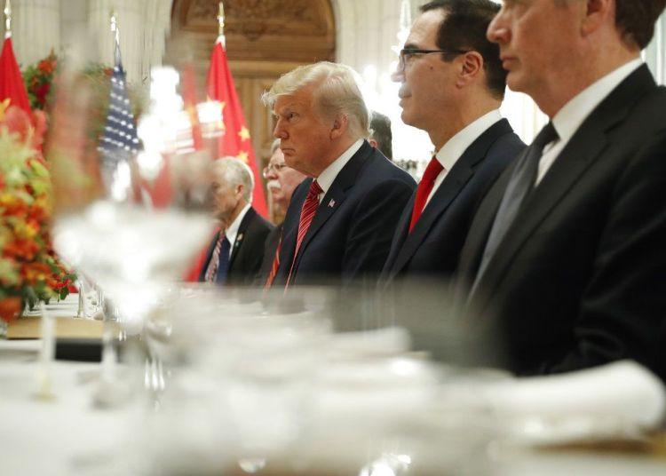 Donald Trump, el secretario de Tesoro Steve Mnuchin (segundo desde la der) en una reunión con el presidente chino Xi Jinping en la cumbre del G20 en Buenos Aires el 1ro de diciembre del 2018. Foto: Pablo Martinez Monsivais / AP.