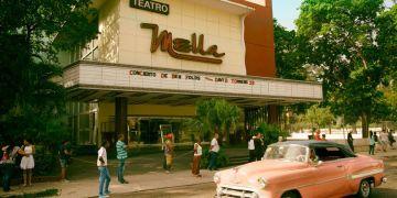 Teatro Mella en la calle Línea, en La Habana. Foto: onlinetours.es