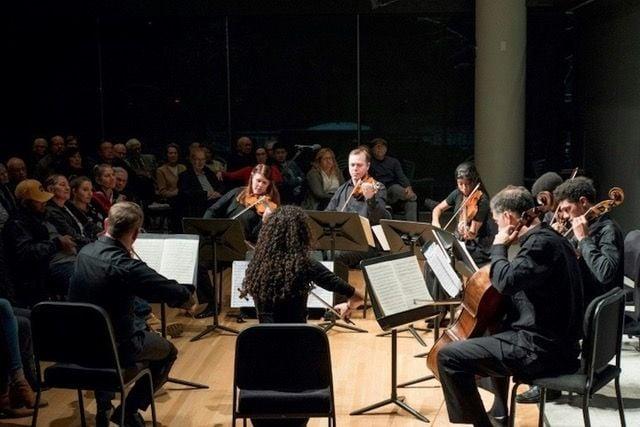 Cuarteto Crisantemi de La Habana, tocan junto a músicos professional de la Orquesta de Minnesota, en Noviembre de 2018 en Minneapolis Foto: Courtney Perry/Minnesota Orchestra.