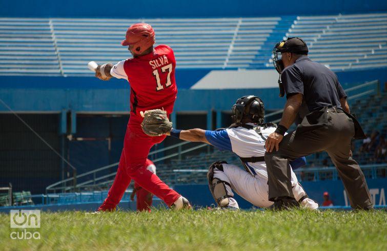 El aporte de Edilse Silva como bate zurdo de mayor impacto en la alineación avileña será crucial en los duelos semifinales. Foto: Otmaro Rodríguez