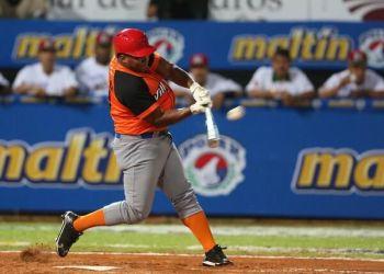 Alfredo Despaigne ya jugó con Villa Clara en la Serie del Caribe del 2014, y ahora puede volver para la final de la Serie 58. Foto: Tomada del blog Zona de Strike