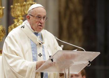 El papa Francisco durante la homilía de la misa de Año Nuevo, en la basílica de San Pedro, en el Vaticano, el 1 de enero de 2019. Foto: Andrew Medichini / AP.