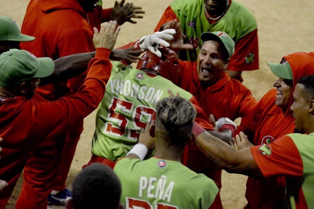 Jorge Jhonson fue el mejor bateador tunero de la final. Foto: Gabriel García