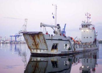 Embarcación de la Armada de Venezuela llegada al puerto de La Habana el 8 de febrero de 2019, con donativos del gobierno venezolano a Cuba luego del tornado sufrido por la capital cubana. Foto: Prensa Latina.