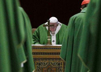 El Papa Francisco oficia una misa en el Vaticano el 24 de febrero de 2019, en la clausura de la cumbre extraordinaria sobre abusos sexuales en la Iglesia. Foto: Giuseppe Lami / Pool vía AP.