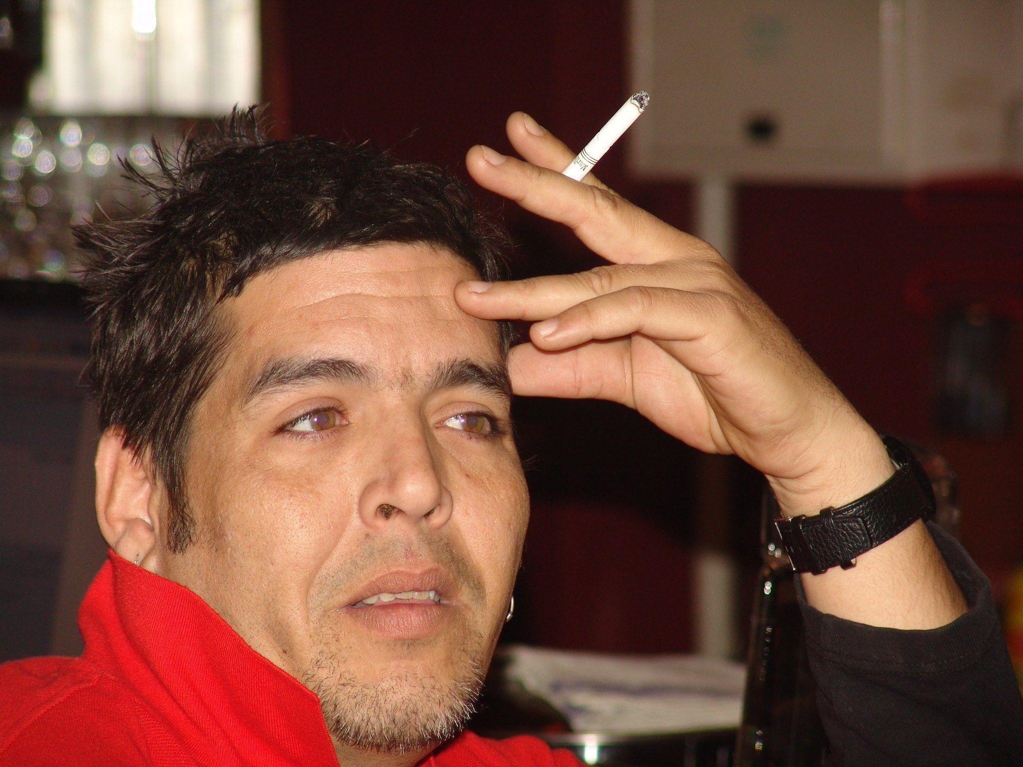 """A Geovany González, uno de los cubanos en China que ha demostrado mayor capacidad de emprendimiento empresarial en los pasados tres lustros, uno de sus suministradores chinos le entregaba """"tilapia por merluza""""."""