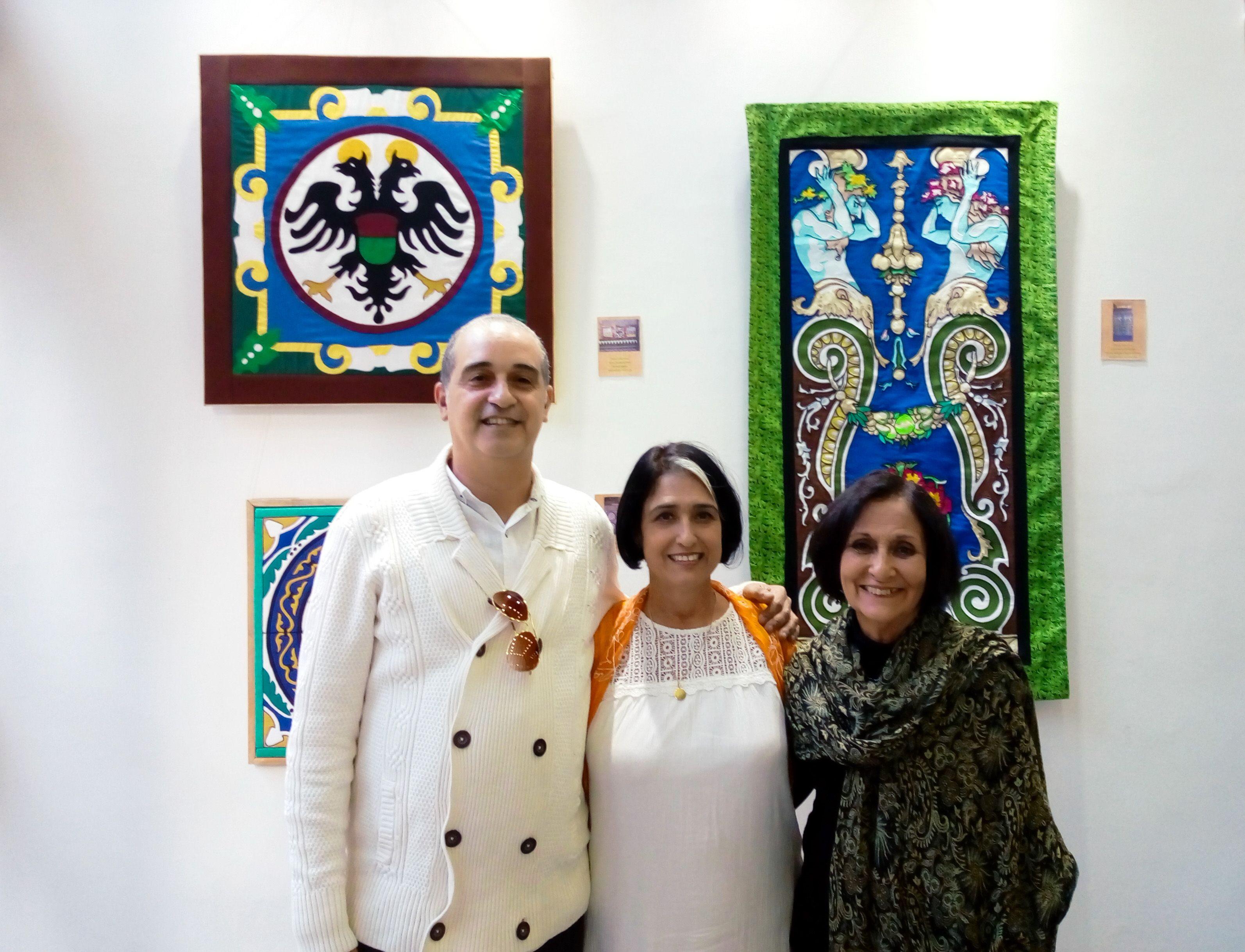 Los tres artistas: Rafael G. Hernández, Isabel Torres (Chavela) y Ela María Pérez Hernández.