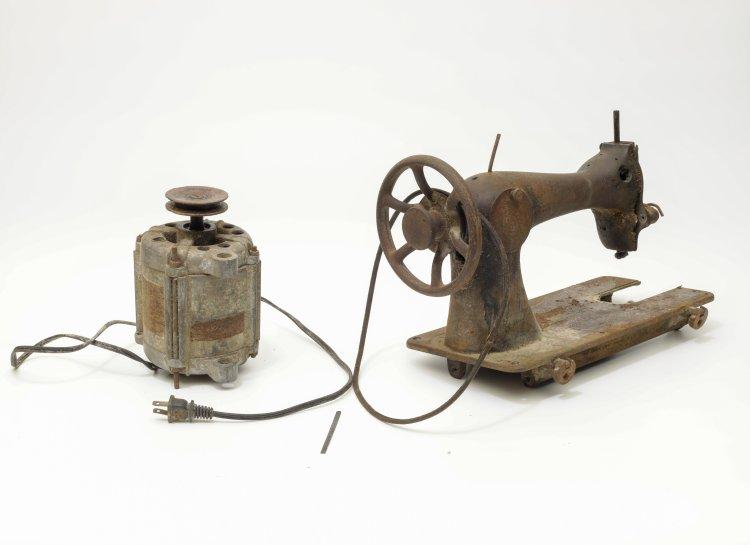 Una máquina de coser remodelada en Cuba. Foto: Cortesía Museo de Cade.
