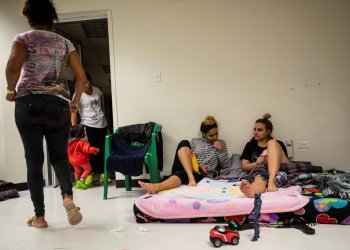 Migrantes cubanos en un albergue de la fronteriza Ciudad Juárez, en el estado de Chihuahua (México). Foto: Alejandro Bringas / EFE / Archivo.