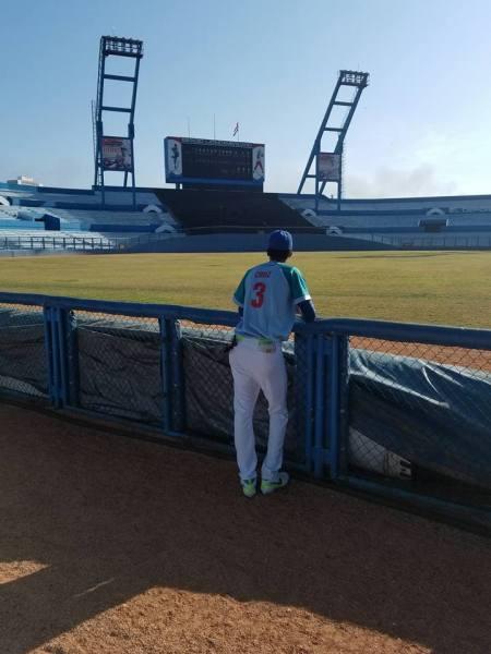 Nalbe Yadán Cruz en el estadio Latinoamericano. Foto: Tomada de su perfil de Facebook