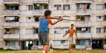 Aunque el Acuerdo entre Cuba y Little League sigue en pie, las autoridades de la Isla no han dado pistas sobre la creación de la Pequeña Liga Cubana, la cual permitiría la expansión de la práctica del béisbol. Foto: Tomada de WNYC.