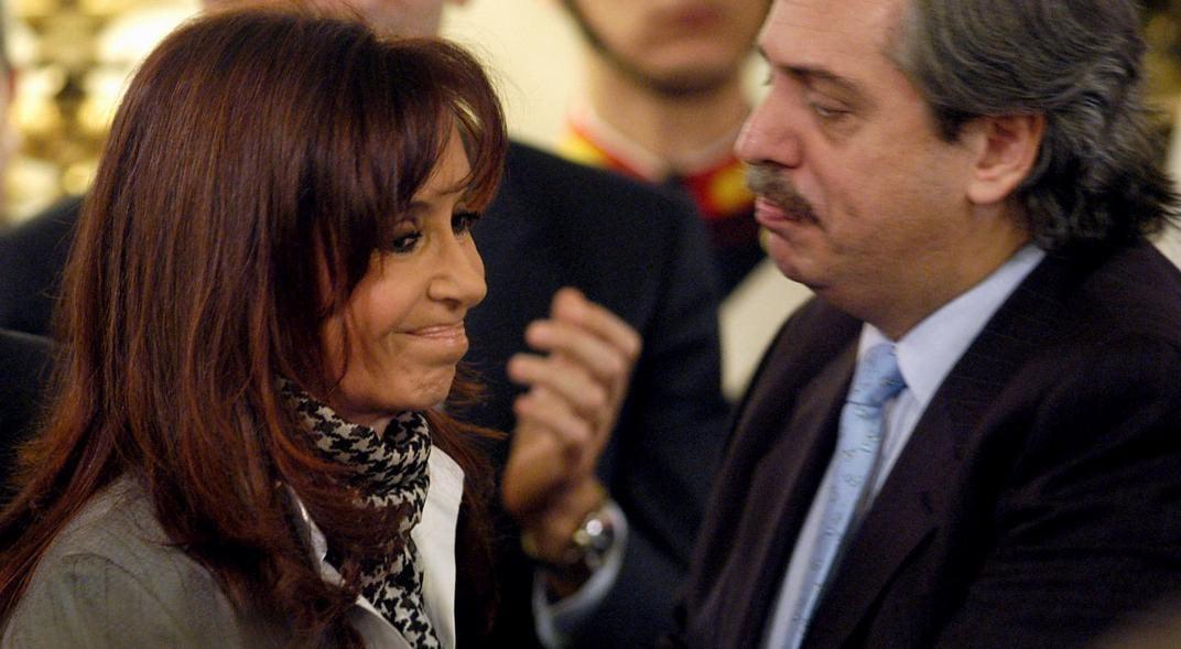Cristina Fernández será la compañera de fórmula presidencial de Alberto Fernández (d). Foto: @Gregoriodalbon / Twitter.