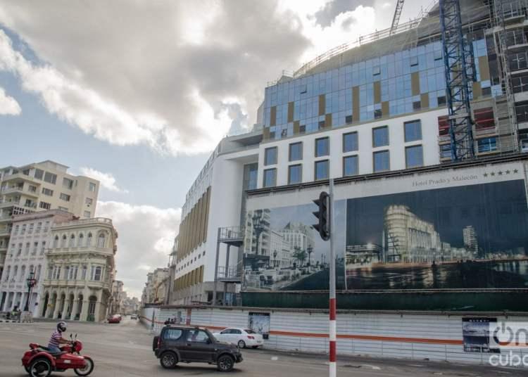Hotel Prado y Malecón, en construcción en La Habana. Foto: Kaloian.