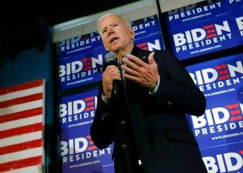 El exvicepresidente y precandidato presidencial demócrata Joe Biden habla durante una escala de campaña en Hampton, Nueva Hampshire., el lunes 13 de mayo de 2019. Foto Michael Dwyer / AP.