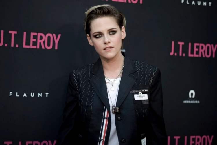 """Kristen Stewart asiste al estreno en Los Angeles de """"JT LeRoy"""" en ArcLight Hollywood el miércoles 24 de abril de 2019 en Los Angeles. (Foto Richard Shotwell/Invision/AP)"""
