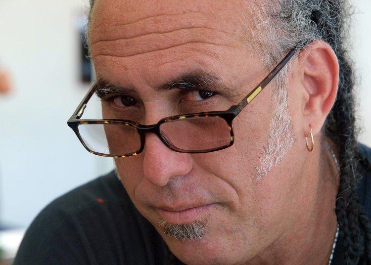 "Arturo Santana, director del filme cubano ""Habana Selfies"". Foto: habanaselfiesfilm.com"