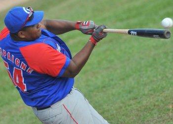 Alfredo Despaigne es el rey del jonrón de la pelota cubana en la actualidad. Foto: Ricardo López Hevia
