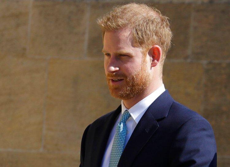 El príncipe Enrique de Inglaterra llega al servicio de Pascua en la Capilla de San Jorge, en el Castillo de Windsor, el 21 de abril del 2019. Foto: Kirsty Wigglesworth / AP.