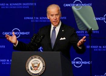 El ex vicepresidente estadounidense Joe Biden habla en el Instituto Edward M. Kennedy del Senado en Boston, el 18 de octubre de 2016. Foto: Elise Amendola / AP.