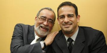 Andy Montañez Jr junto a su padre. Foto: El Tiempo.com