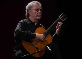 El guitarrista cubano Manuel Barrueco. Foto: cordopolis.es