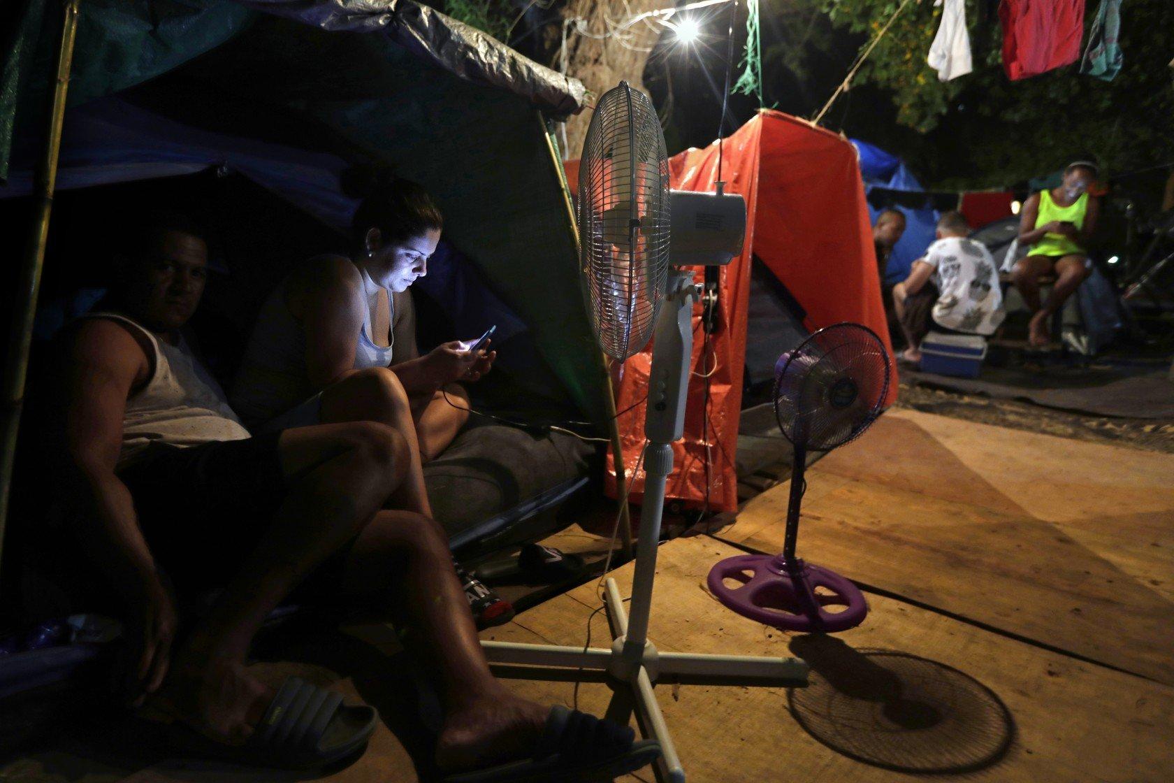 Migrantes cubanos en México que esperan para poder solicitar asilo en los Estados Unidos. Foto: Carolyn Cole / Los Angeles Times.