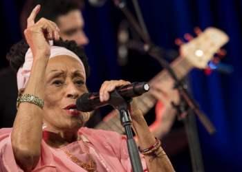Omara Portuondo en el festival de Vitoria en el País Vasco, España. Foto: Gasteiz hoy / Archivo.