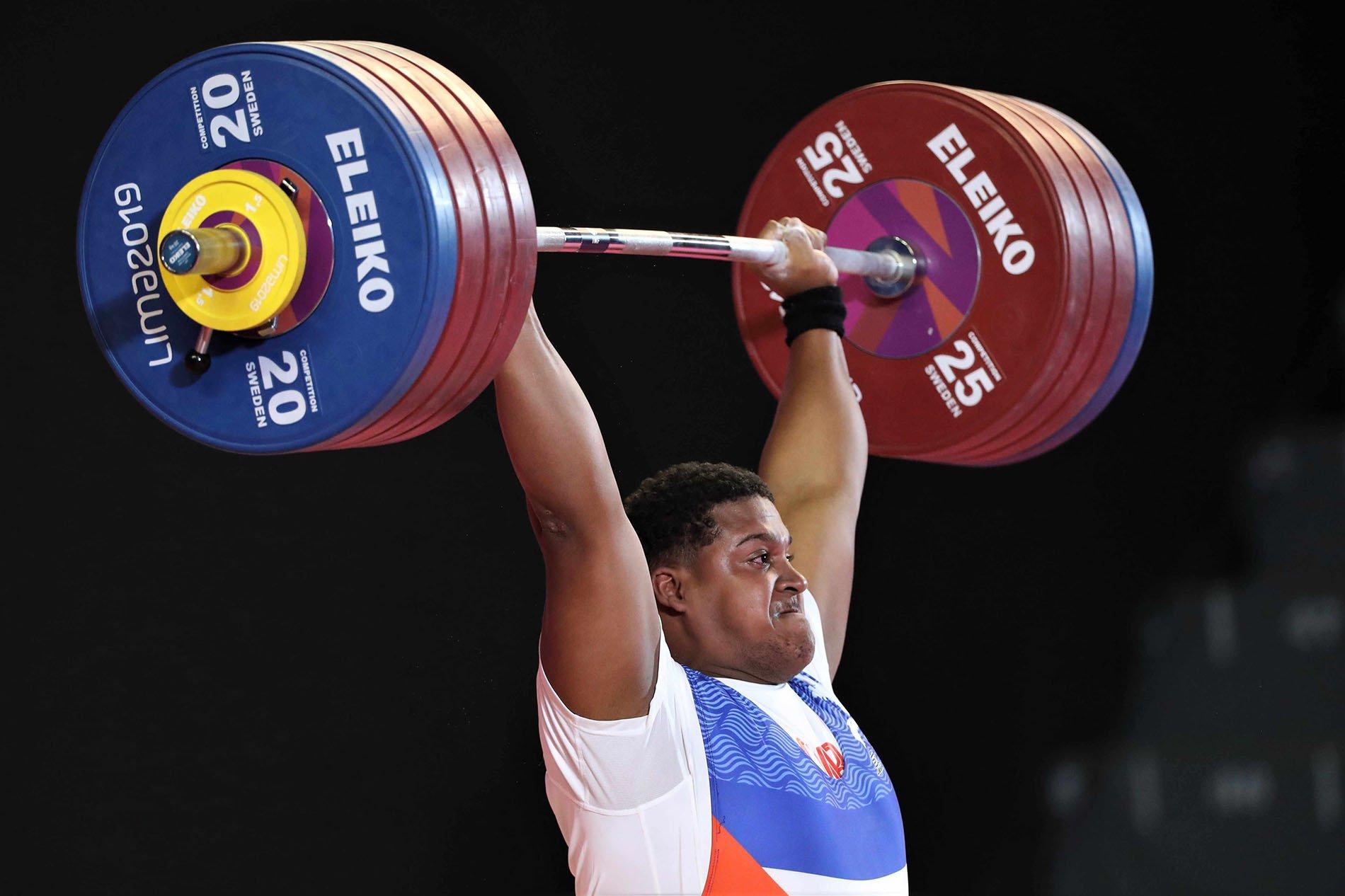 Luis Manuel Lauret, plata en más de 109 kg, dio a Cuba la única medalla de las pesas en los Juegos Panamericanos Lima 2019. Foto: Paolo Aguilar / EFE.