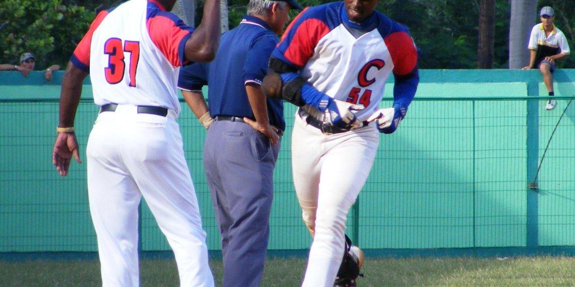 Cuando se fue de Cuba, a Leslie Anderson le faltaban ocho jonrones para los 200 en Series Nacionales; ahora tendrá la oportunidad de llegar a esa cifra. Foto: Raúl del Pino
