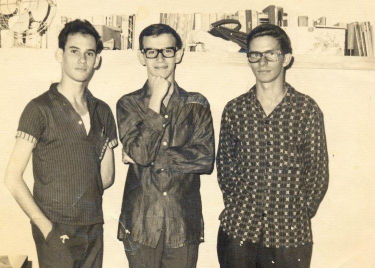 De izquierda a derecha Silvino García, Silvio Rodríguez y Oscar Cuesta, en 1966. Foto: Tomada de Segunda Cita.
