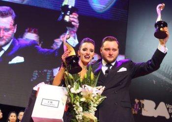 El ruso Maksim Gerasimov y la argentina Agustina Piaggio, campeones de la modalidad de tango pista del Mundial de Tango 2019, celebrado en el Luna Park de Buenos Aires el 20 de agosto de 2019. Foto: @REDTDF1 / Twitter.