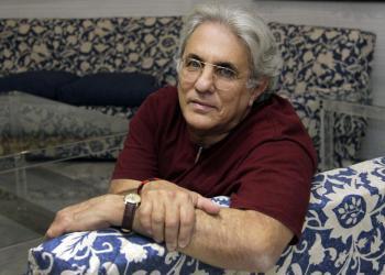 El escritor cubano Abilio Estévez. Foto: José Luis Montero/El Correo de Andalucía.