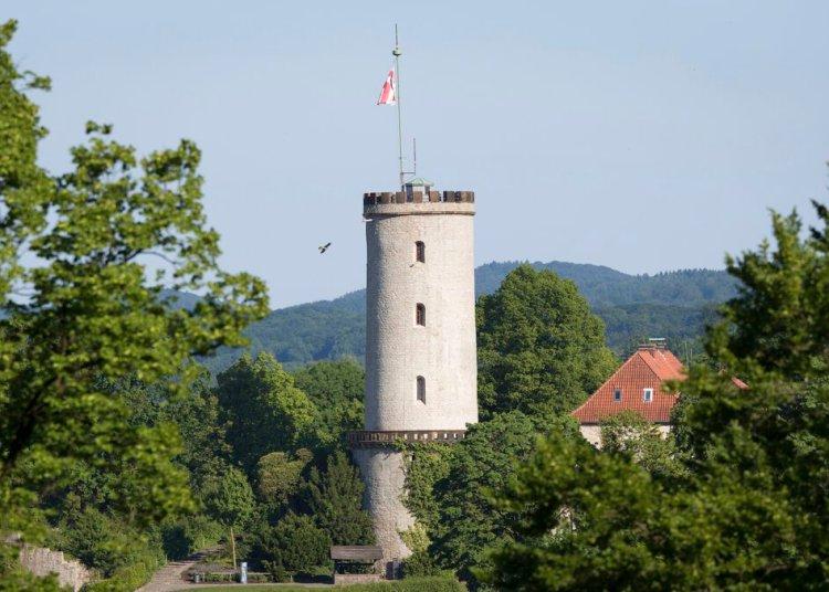 Castillo de Bielefeld, Alemania, una ciudad que, según una teoría conspirativa en broma, no existe. Foto: Friso Gentsch/dpa vía AP.