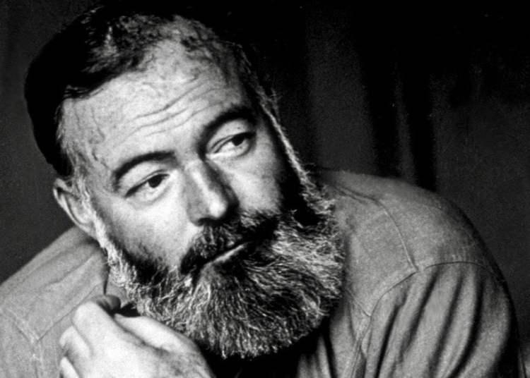 Hemingway en París después de la Segunda Guerra Mundial. Foto: Tomada de PBS.