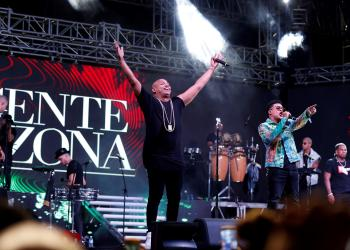 El dúo cubano Gente de Zona, en su concierto en el Malecón de La Habana, el sábado 7 de septiembre de 2019. Foto: Ernesto Mastrascusa / EFE.