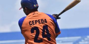 Frederich Cepeda en la subserie contra Industriales de la 59 Serie Nacional, en el estadio Latinoamericano de La Habana. Foto: Otmaro Rodríguez.