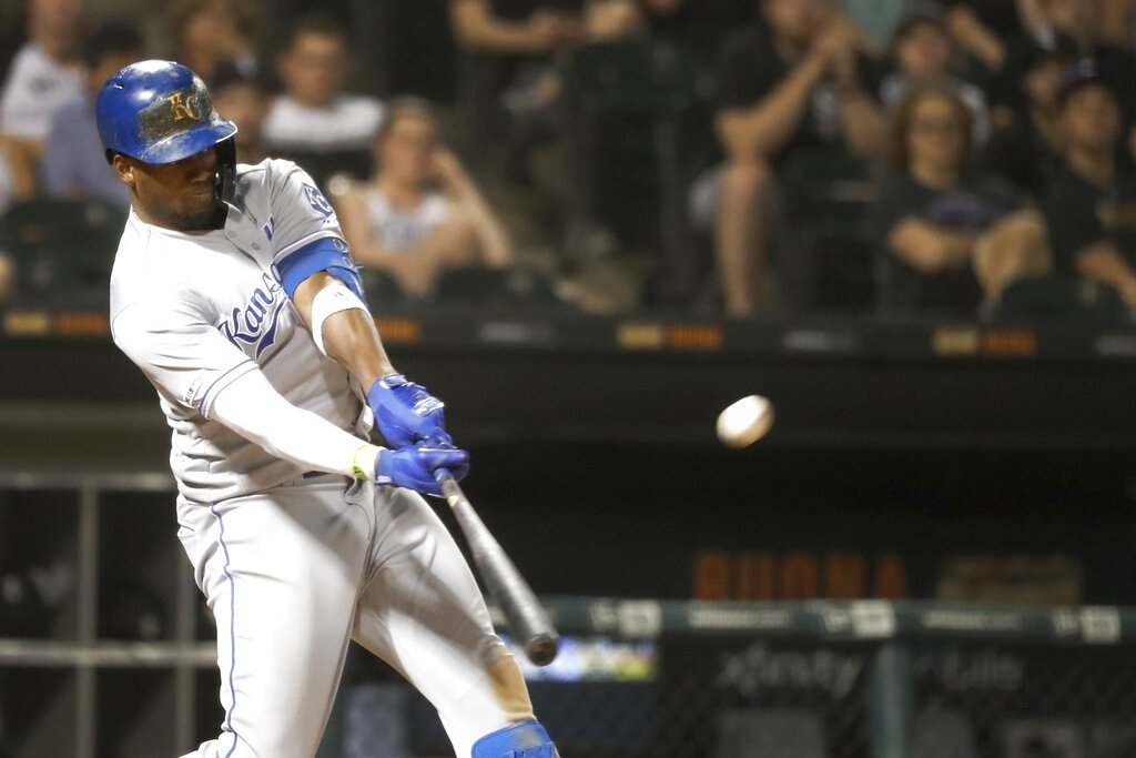 Jorge Soler rompió barreras históricas del béisbol cubano en las Mayores. Foto: Charles Rex Arbogast / AP.