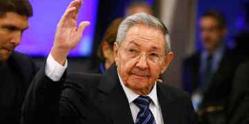 El entonces presidente de Cuba Raúl Castro llegando a la sesión 70 de la Asamblea Nacional de la ONU en Nueva York, el 28 de enero de 2016. Foto: Jason DeCrow/AP. Archivo.